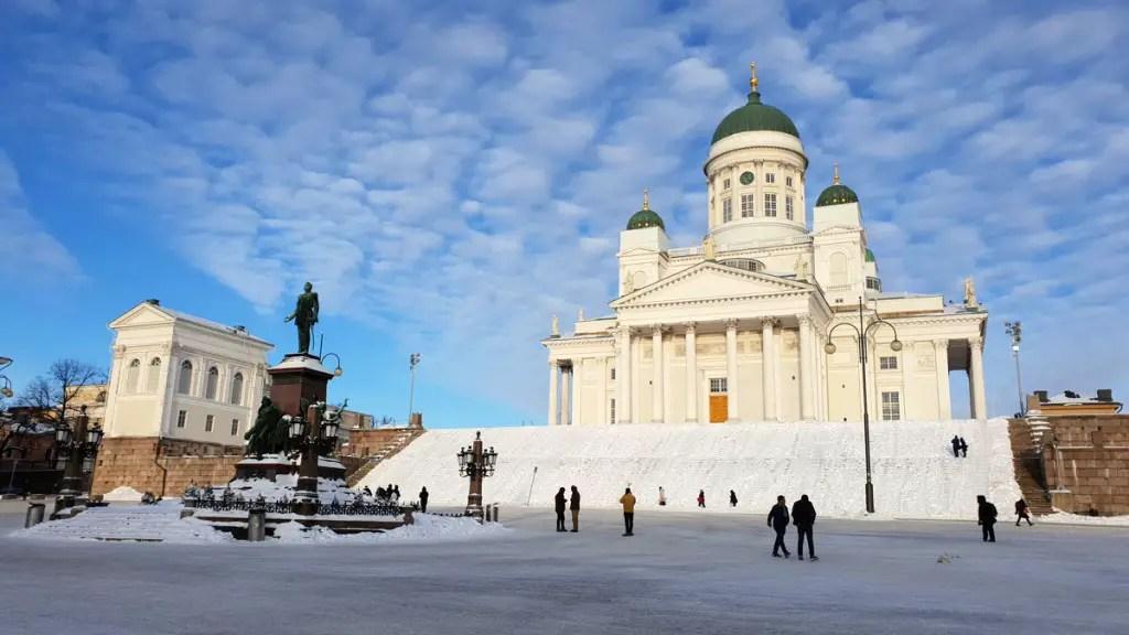 "what-must-have-seen-in-helsinki-dom-platz ""class ="" wp-image-9810 ""srcset ="" https://www.nicolos-reiseblog.de/wp-content/uploads/2019/ 02 / what-must-have-seen-in-Helsinki-have-dom-platz-1024x576.jpg 1024w, https://www.nicolos-reiseblog.de/wp-content/uploads/2019/02/was-muss -man-in-helsinki-seen-have-dom-platz-300x169.jpg 300w, https://www.nicolos-reiseblog.de/wp-content/uploads/2019/02/was-muss-man-in- helsinki-seen-have-dom-platz-800x450.jpg 800w, https://www.nicolos-reiseblog.de/wp-content/uploads/2019/02/was-muss-man-in-helsinki-gesehen-haben -dom-platz.jpg 1200w, https://www.nicolos-reiseblog.de/wp-content/uploads/2019/02/was-muss-man-in-helsinki-gesehen-haben-dom-platz-300x169@ 2x.jpg 600w ""sizes ="" (max-width: 1024px) 100vw, 1024px ""/></figure data-recalc-dims="