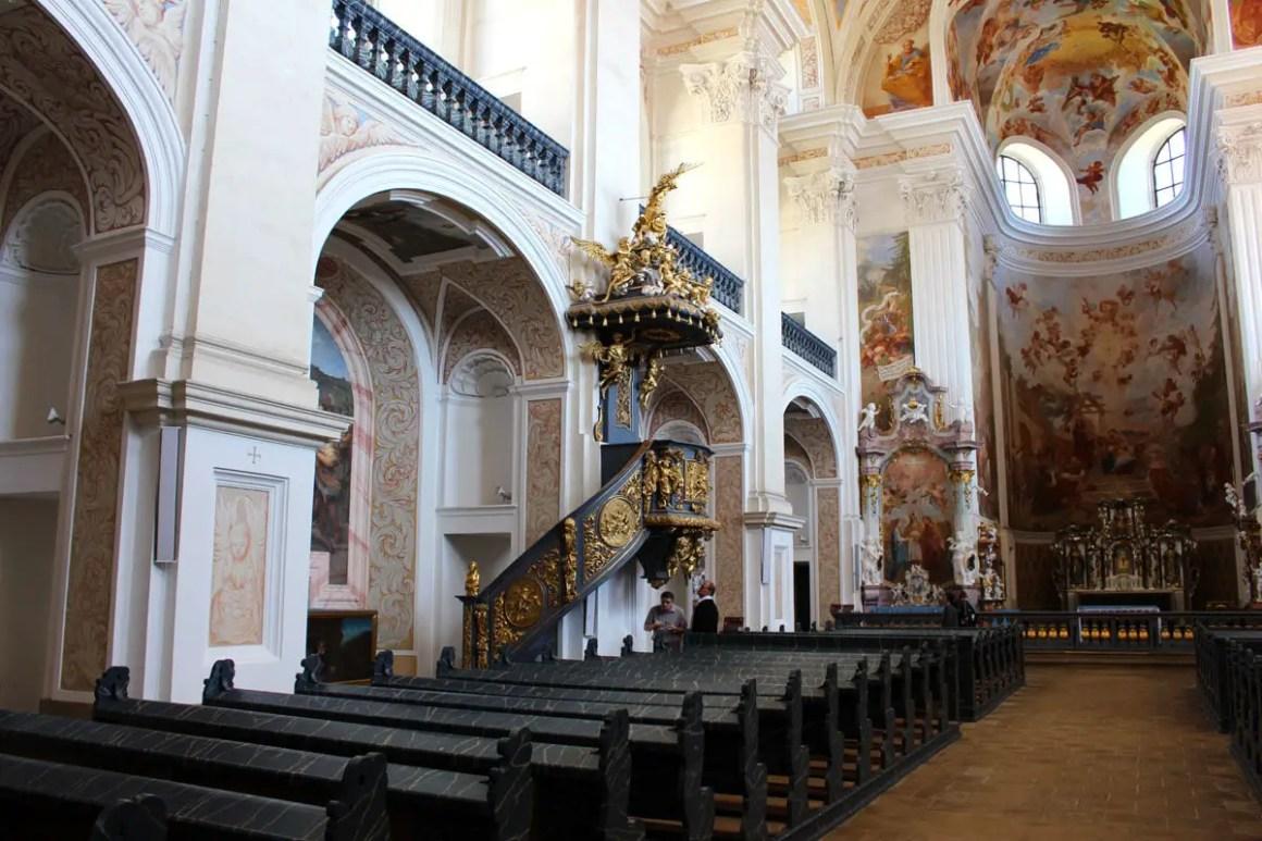 """""""St. Joseph's Church Monastery Gruessau Reistips Lower Silesia Reistips Polen Inside"""" width = """"1200"""" height = """"800"""" data-wp-pid = """"10221"""" srcset = """"https: //www.nicolos- reiseblog.de/wp-content/uploads/2019/04/St-Josephs-Kirche-kloster-gruessau-reisetipps-niederschlesien-reisetipps-polen-innen.jpg 1200w, https://www.nicolos-reiseblog.de/wp -content / uploads / 2019/04 / St-Josephs-Kirche-monastery-gruessau-travel-tips-niederschlesien-travel-tips-poland-inside-300x200.jpg 300w, https://www.nicolos-reiseblog.de/wp-content/ uploads / 2019/04 / St-Josephs-Kirche-monastery-gruessau-travel-tips-niederschlesien-travel-tips-poland-interior-1024x683.jpg 1024w, https://www.nicolos-reiseblog.de/wp-content/uploads/2019 /04/St-Josephs-Kirche-kloster-gruessau-reisetipps-niederschlesien-reisetipps-polen-innen-50x33.jpg 50w, https://www.nicolos-reiseblog.de/wp-content/uploads/2019/04/ St. Josephs Church Monastery Gruessau Reis Tips Lower Silesia Reis Tips Polen Interior 800x533.jpg 800w """"sizes ="""" (max-width: 1200px) 100vw, 1200px """"/></p data-recalc-dims="""