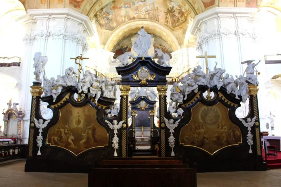 "klooster-gruessau-klooster-kerk-ascentie-reizen-tips-low-siësta-reizen-polen-kant-deel ""width ="" 1200 ""height ="" 800 ""data-wp-pid ="" 10243 ""srcset ="" https: //www.nicolos- reiseblog.de/wp-content/uploads/2019/04/kloster-gruessau-Klosterkirche-Mariae-Himmelfahrt-reisetipps-niederschlesien-reisetipps-polen-seitenteil.jpg 1200w, https://www.nicolos-reiseblog.de/wp -content / uploads / 2019/04 / klooster-gruessau-klooster-kerk-bedevaart-reizen-tips-niederschlesien-reizen-polen-zijde-deel-300x200.jpg 300w, https://www.nicolos-reiseblog.de/wp-content/ uploads / 2019/04 / klooster-gruessau-klooster-kerk-beklimming-reizen-tips-lage-siësta-reizen-polen-zij-deel-1024x683.jpg 1024w, https://www.nicolos-reiseblog.de/wp-content/uploads/2019 /04/kloster-gruessau-Klosterkirche-Mariae-Himmelfahrt-reisetipps-niederschlesien-reisetipps-polen-seitenteil-50x33.jpg 50w, https://www.nicolos-reiseblog.de/wp-content/uploads/2019/04/ klooster-Grüssau klooster kerk van Maria Tenhemelopneming zal treden ipps-niederschlesien-travel-tips-palen-side-deel-800x533.jpg 800w ""sizes ="" (max-width: 1200px) 100vw, 1200px ""/></p data-recalc-dims="