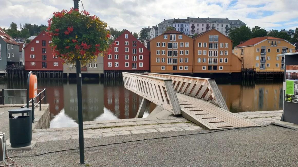 "sundowns-trondheim-travel-tips-tondelag-travel-tips-noorwegen-travel-blog-5-places-piren ""width ="" 1200 ""height ="" 675 ""data-wp-pid ="" 10191 ""srcset ="" https: //www.nicolos- reiseblog.de/wp-content/uploads/2019/04/sehenswuerdigkeiten-trondheim-reisetipps-tondelag-reisetipps-norwegen-reiseblog-5-orte-piren.jpg 1200w, https://www.nicolos-reiseblog.de/wp -content / uploads / 2019/04 / sightseeing-trondheim-travel-tips-tondelag-travel-tips-noorwegen-travel-blog-5-places-piren-300x169.jpg 300w, https://www.nicolos-reiseblog.de/wp-content/ uploads / 2019/04 / sightseeing-trondheim-travel-tips-tondelag-travel-tips-norwegen-travel-blog-5-places-piren-1024x576.jpg 1024w, https://www.nicolos-reiseblog.de/wp-content/uploads/2019 /04/sehenswuerdigkeiten-trondheim-reisetipps-tondelag-reisetipps-norwegen-reiseblog-5-orte-piren-50x28.jpg 50w, https://www.nicolos-reiseblog.de/wp-content/uploads/2019/04/ sightseeing-trondheim-reizen-tips-tondelag-reizen-tips-Noorwegen-reizen-blog-5-places-piren-800x450.jpg 800w ""maten = ""(max-width: 1200px) 100vw, 1200px"" /></p data-recalc-dims="