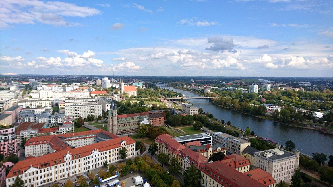 "dom-to-magdeburg-outlook-stadt-region ""width ="" 1200 ""height ="" 675 ""data-wp-pid ="" 10914 ""srcset ="" https://www.nicolos-reiseblog.de/wp-content/ uploads / 2019/07 / dom-zu-magdeburg-outlook-stadt-region.jpg 1200w, https://www.nicolos-reiseblog.de/wp-content/uploads/2019/07/dom-zu-magdeburg-ausblick -stadt-region-300x169.jpg 300w, https://www.nicolos-reiseblog.de/wp-content/uploads/2019/07/dom-zu-magdeburg-ausblick-stadt-region-1024x576.jpg 1024w, https : //www.nicolos-reiseblog.de/wp-content/uploads/2019/07/dom-zu-magdeburg-ausblick-stadt-region-50x28.jpg 50w, https://www.nicolos-reiseblog.de/ wp-content / uploads / 2019/07 / dom-zu-magdeburg-outlook-stadt-region-800x450.jpg 800w ""sizes ="" (max-breedte: 1200px) 100vw, 1200px ""/></p data-recalc-dims="