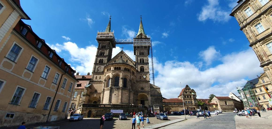 """What-must-you-see-Bamberg-dom """"width ="""" 1200 """"height ="""" 569 """"data-wp-pid ="""" 11144 """"srcset ="""" https://www.nicolos-reiseblog.de/wp-content/ uploads / 2019/08 / Wat-moet-zien-Bamberg-dom.jpg 1200w, https://www.nicolos-reiseblog.de/wp-content/uploads/2019/08/Was-muss-man-sehen -Bamberg-dom-300x142.jpg 300w, https://www.nicolos-reiseblog.de/wp-content/uploads/2019/08/Was-muss-man-sehen-Bamberg-dom-1024x486.jpg 1024w, https : //www.nicolos-reiseblog.de/wp-content/uploads/2019/08/Was-muss-man-sehen-Bamberg-dom-50x24.jpg 50w, https://www.nicolos-reiseblog.de/ wp-content / uploads / 2019/08 / Wat te zien-Bamberg-dom-800x379.jpg 800w """"sizes ="""" (max-breedte: 1200px) 100vw, 1200px """"/></p data-recalc-dims="""