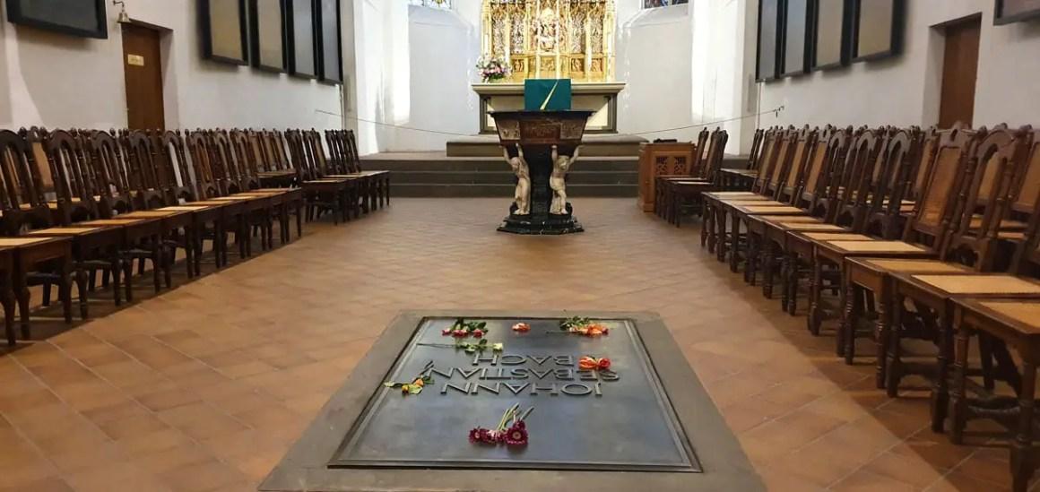 "thomaskirche-leipzig-grab-johann-sebastian-bach ""width ="" 1200 ""height ="" 568 ""srcset ="" https://www.nicolos-reiseblog.de/wp-content/uploads/2020/05/thomaskirche-leipzig -grab-johann-sebastian-bach.jpg 1200w, https://www.nicolos-reiseblog.de/wp-content/uploads/2020/05/thomaskirche-leipzig-grab-johann-sebastian-bach-300x142.jpg 300w , https://www.nicolos-reiseblog.de/wp-content/uploads/2020/05/thomaskirche-leipzig-grab-johann-sebastian-bach-1024x485.jpg 1024w ""data-lui-size ="" (max- width: 1200px) 100vw, 1200px ""src ="" https://www.nicolos-reiseblog.de/wp-content/uploads/2020/05/thomaskirche-leipzig-grab-johann-sebastian-bach.jpg ""/></p> <p><noscript><img class="