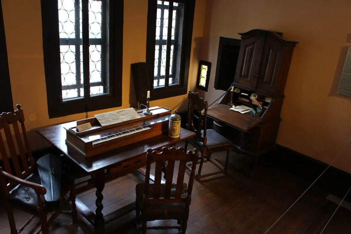 bachhaus-eisenach-exhibition-instruments