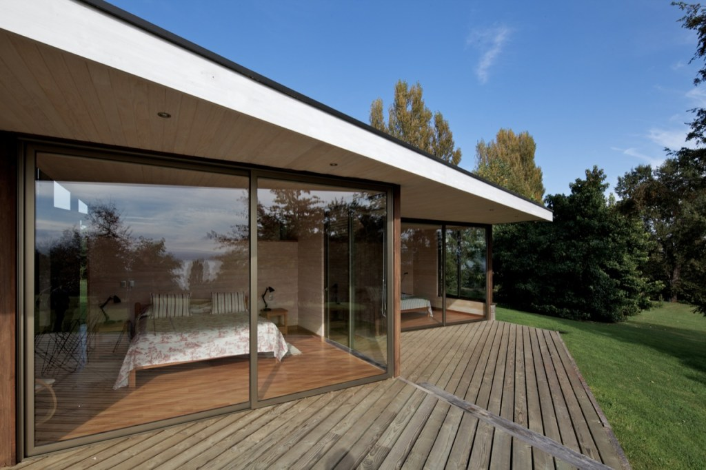 Villarrica House II by MOBIL Arquitectos