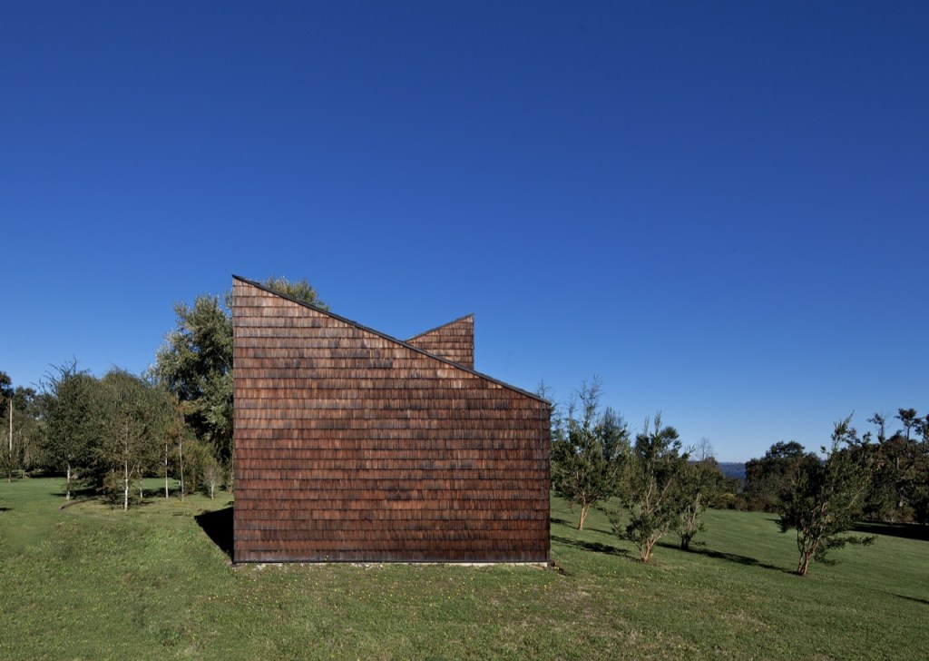 Browne I House by MOBIL Arquitectos