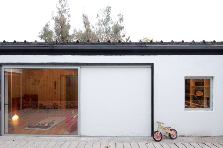 LG House by Antonio Lipthay (5)
