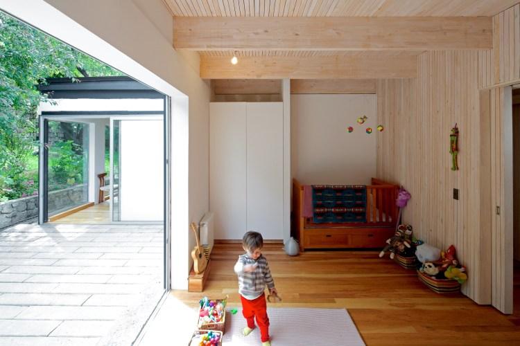 LG House by Antonio Lipthay (12)
