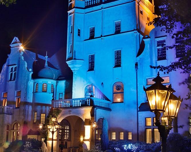 Schoß Tremsbüttel in blau.