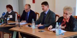 Na zdj. od lewej: Honorata Rudnik, Jarosław Filipowicz, Jerzy Dąbrowski i Ewa Starczewska.