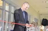Na zdj. Marek Krejpcio otwiera wystawę poświęconą 25-leciu Suwalskiego Klubu Karate Kyokushin.