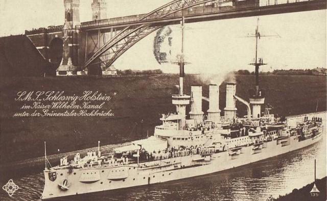 SMS Schleswig-Holstein Vilhelmo kanale (deja, ne lietuviškame). 1944 m.