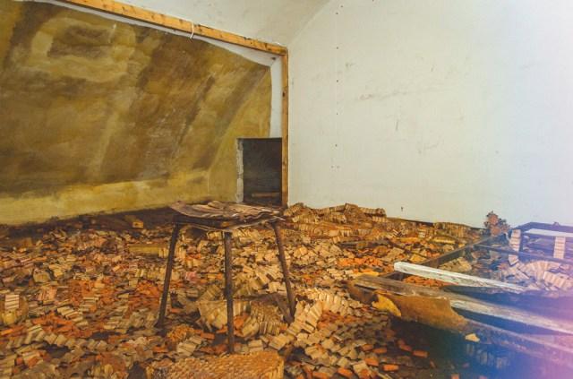 Izoliacinė medžiaga antro aukšto kambarėlyje