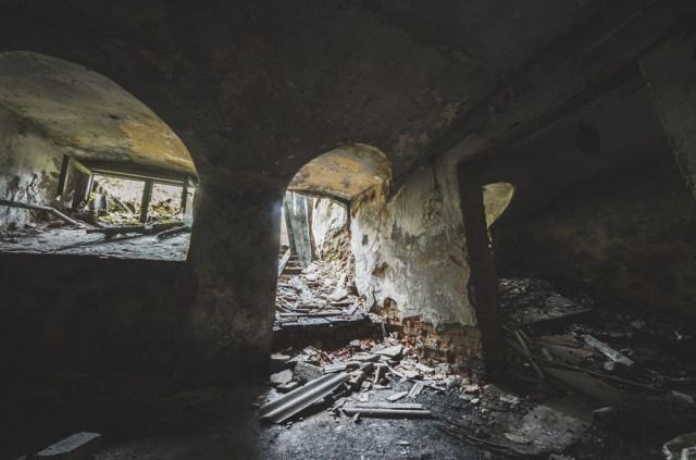 Rūsyje nieko ypatingo, tik kelios nedidelės patalpos ir gulinti sena spinta