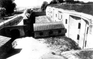 IX forto kareivinių kiemas