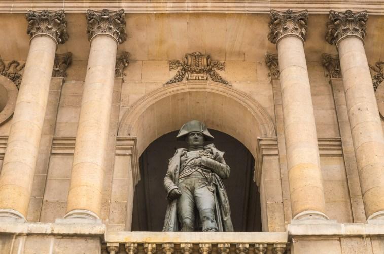 Napoleono skulptūra balkone