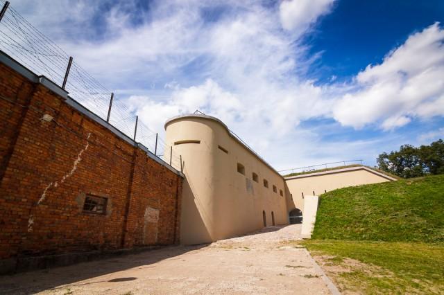 IX forto užnugario kaponierius