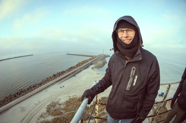 Laimingas bokšto lankytojas. Sklinda gandai, kad dėl bokšto griūties emigravo į Kanadą.