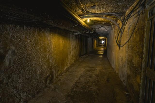 Tunelis, vedantis į vadavietę
