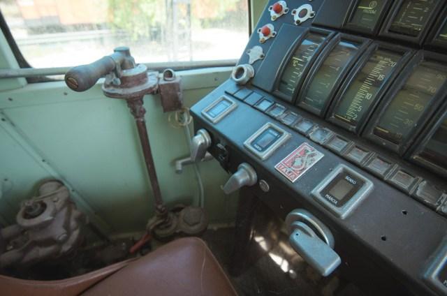 Automotrisės FS RALn 6012 mašinisto kabina