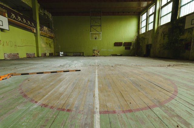 Sporto salėje dominuoja žali raminantys tonai
