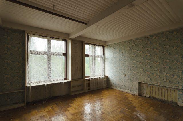 Parketas, tapetai, gobelenas... Tik įrengus pastatą, čia tikrai buvo erdvu ir skoningai gražu