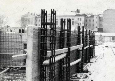 Tai pirmasis gamykloje paruošto gelžbetonio pastatas Latvijoje