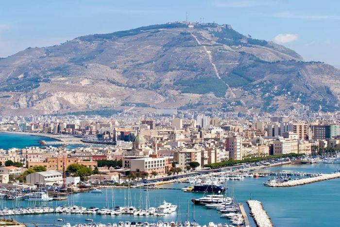 Trapani. Morze. Góry. Sycylia. Sizilien. Sicily.
