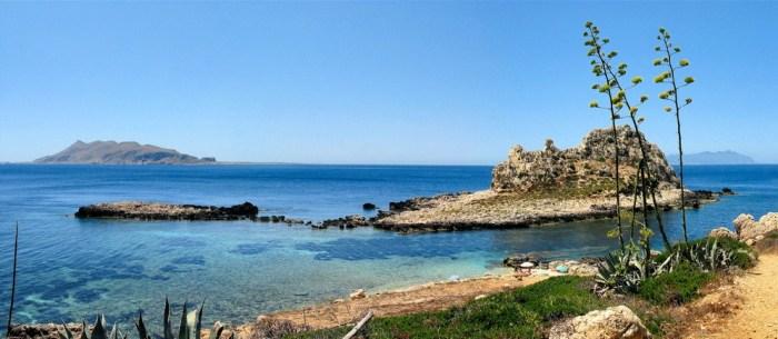 Levanzo, najpiękniejsze plaże w TRapani. Wyspy Egady, Sycylia.