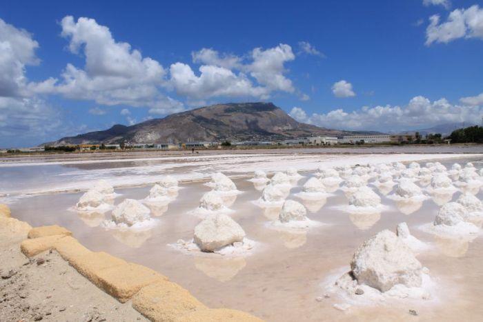 Saliny w Trapani, sól morska, śnieg w Trapani, saliny w Nubii, Żniwa solne, zbiory soli, saline di Trapani, Trapani, Sycylia, Sicilia, raccolta del sale