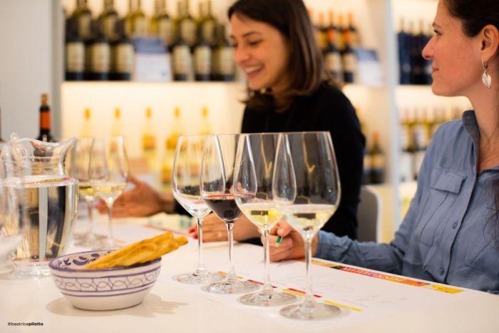 Donnafugata, Marsala, Donnafugata, rodzina Rallo, Rallo, Contessa Entellina, Panele słoneczne, ochrona środowiska, Marsala, Sycylia, Wino, Wino Sycylia, Wino Marsala, Trapani, wina sycylijskie, sycylijskie wina, wina z Sycylii, Khamma, Pantelleria, metoda alberello, zibibbo, passito di pantelleria, moscato di pantelleria, zibibbo, Nero-d'Avola, Vittoria, Etna, bell'assai, wizyta w Donnafugata, degustacja wina w Marsali, degustacja wina Marsala