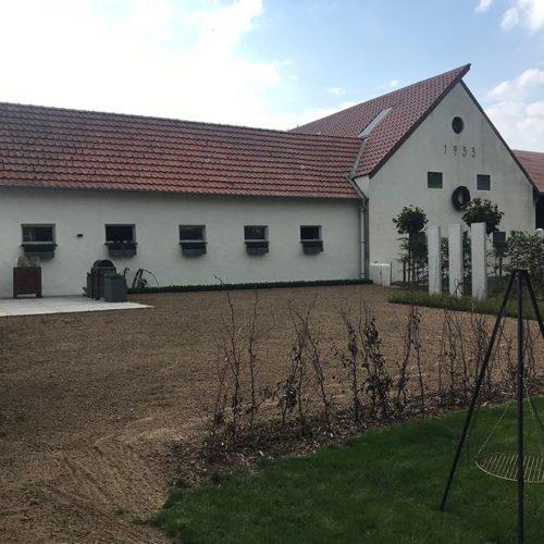 nierswalder-kuhhof-jrb-2019-vorgarten-01a