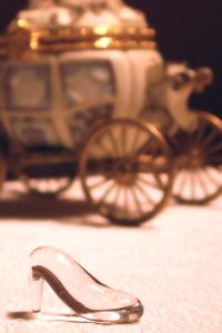 Het glazen muiltje van Assepoester voor de koets. Copyright foto: Channah