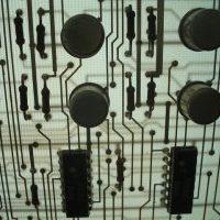 Foto van een circuit op een printplaat. Copyright Sergey Lebedev