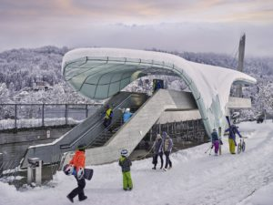Un funicular subterráneo, desde el centro de Innsbruck, acerca a los esquiadores en menos de una hora hasta la estación de Nordkette FOTO: Innsbruck.info