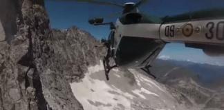 El helicóptero de la Guardia Civil en un rescate por el Pirineo aragonés
