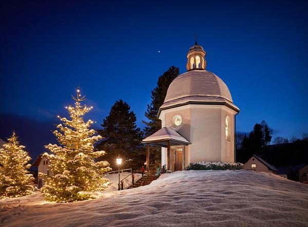 La capilla Memorial Noche de Paz, villancico que este invierno cumple dos siglos, visita obligada en estas fechas navideñas