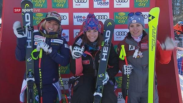 Tina Weirather (centro) a compartido podio con una sonriente Lara Gut (izqda) y Nicole Scmidhofer