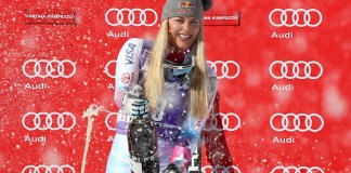 Lindsey Vonn hace diez días celebrando su victoria en el segundo descenso de Cortina d'Ampezzo