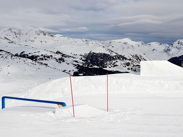El renovado Snowpark Era Marmòta es obra del nuevo equipo de 'shapers' que se ha incorporado esta temporada a Baqueira Beret