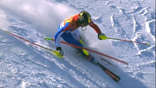 Clement Noel, que hace quince días se proclamócampeón mundial junior de slalom, ha quedado a cuatro centésimas del podio y ha sido el mejor francés