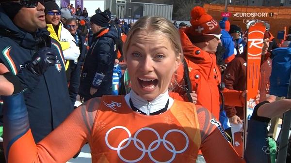 Ragnhild Mowinckel, de 25años, se va de sus segundos Juegos con dos platas. De momento porque queda por disputar la combinada