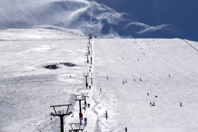 Las pistas disponen de casi cuatro metros de nieve todavía