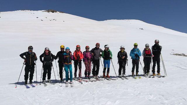 Un grupo de aficionados al skimo