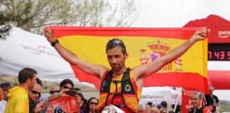 Con su tercer título mundial consecutivo, Luis Alberto Hernando firmó a sus 40 años una gesta inédita en el trail running