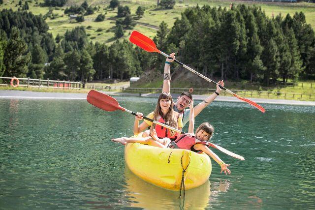 Las salidas en canoa forman parte de las actividades de ocio en Grandvalira