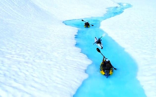 Paseos de ensueño entre las aguas glaciares de la Columbia Británica