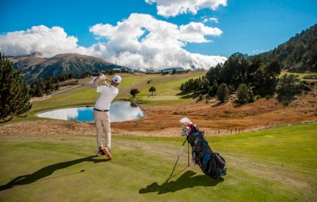 El Golf Soldeu cuenta con 9 hoyos - par 33 y una longitud de 2.590 metros a lo largo de 16 hectáreas