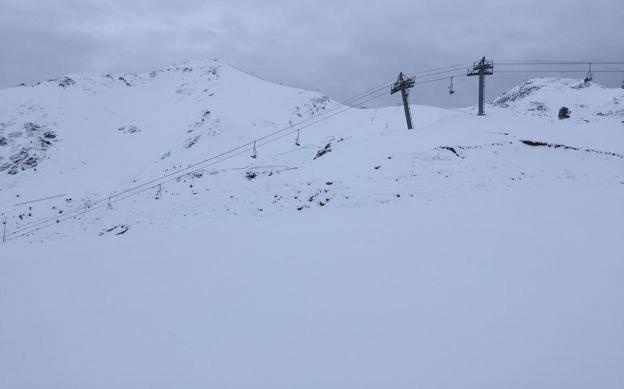 Boí Taüll ha amanecido con 20 cm de nieve y espera una buena nevada el miércoles