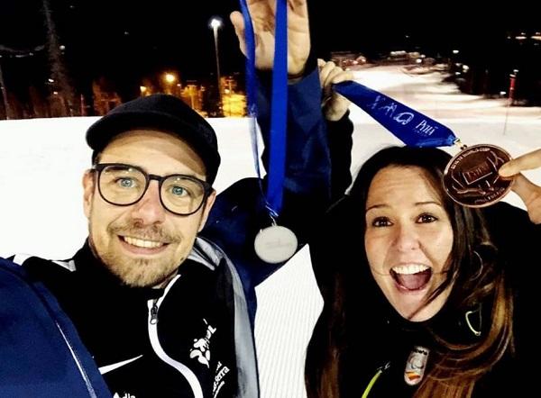 Astrid Fina con su entrenador Albert Mallol.FOTO: FCEH